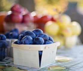 Fighting Aging with Food